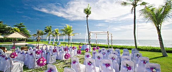 A Bali wedding in a ocean view villa