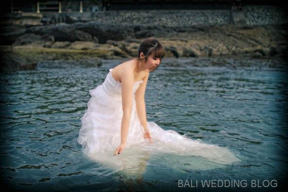 Bali pre wedding photo trash the dress