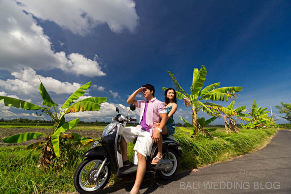 Bali pre wedding with scooter