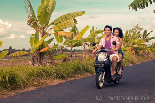 scooter for Bali pre wedding photos