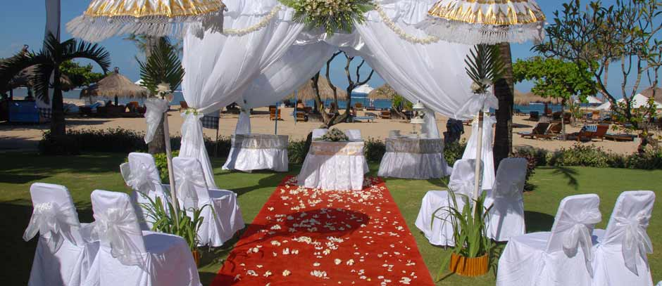 Sol-Beach-House-Nusa-Benoa-Wedding-Packages