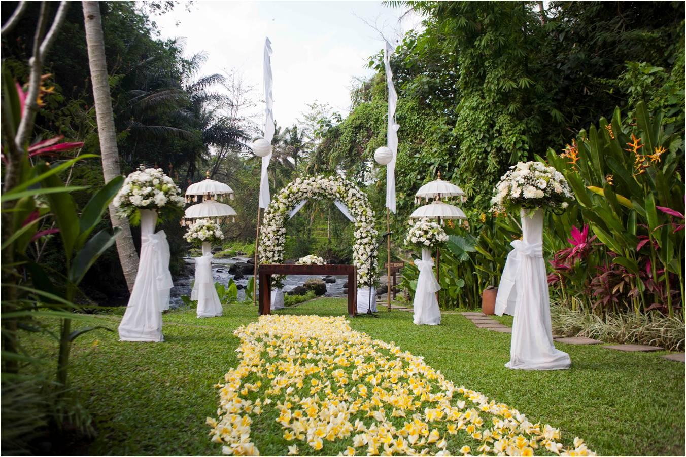 Ubud sayan hotel wedding packages bali wedding blog the samaya ubud sayan wedding packages junglespirit Image collections