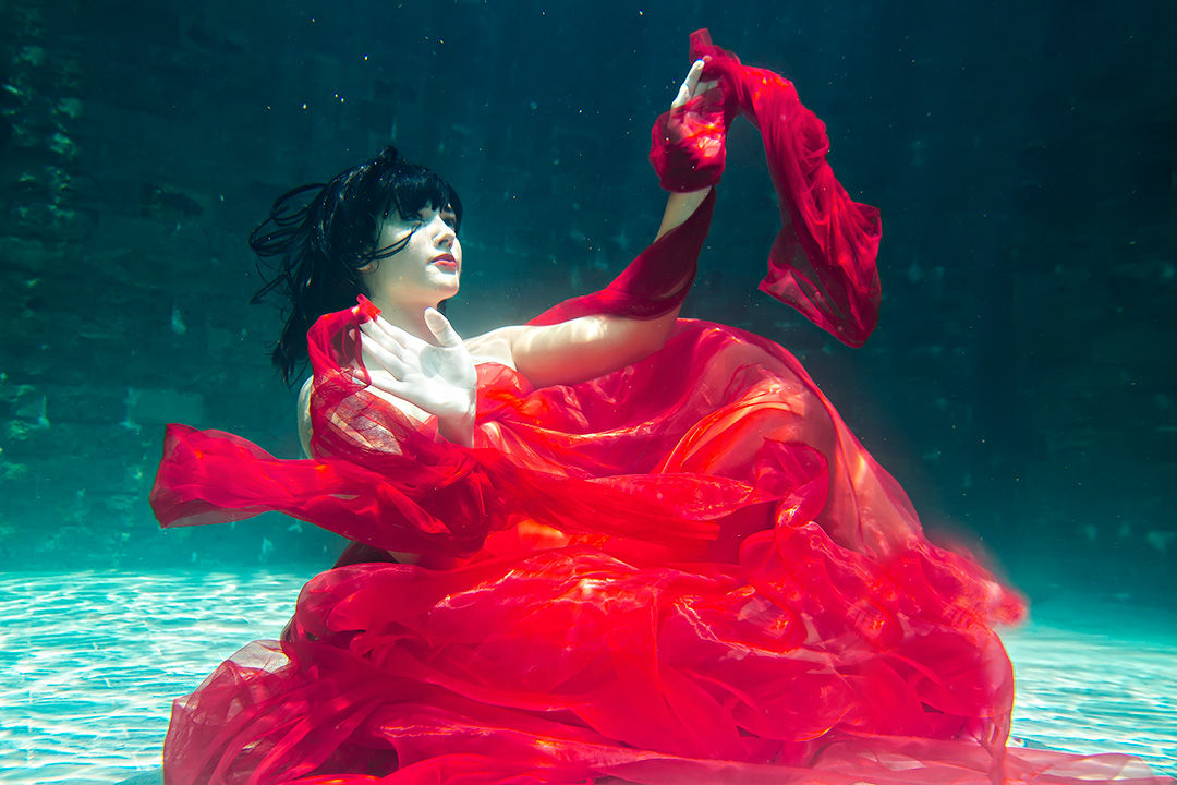 Underwater Pre Wedding Photos in Bali