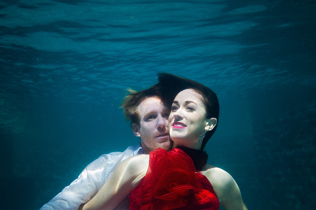 pre wedding photo underwater Bali