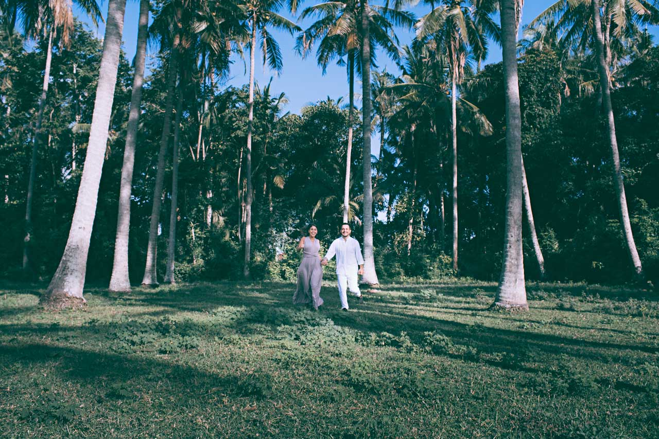 Coconut-forest-pre-wedding-photo-location-Bali