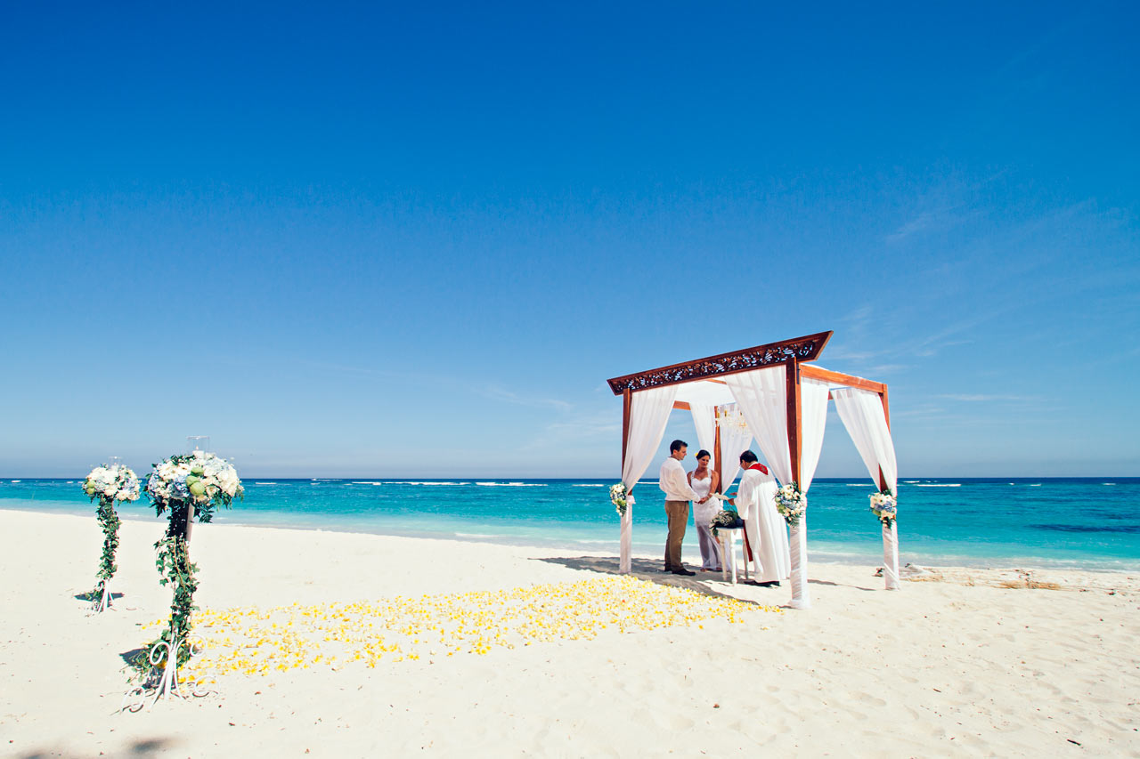 Bali-beach-weddings-without-a-planner