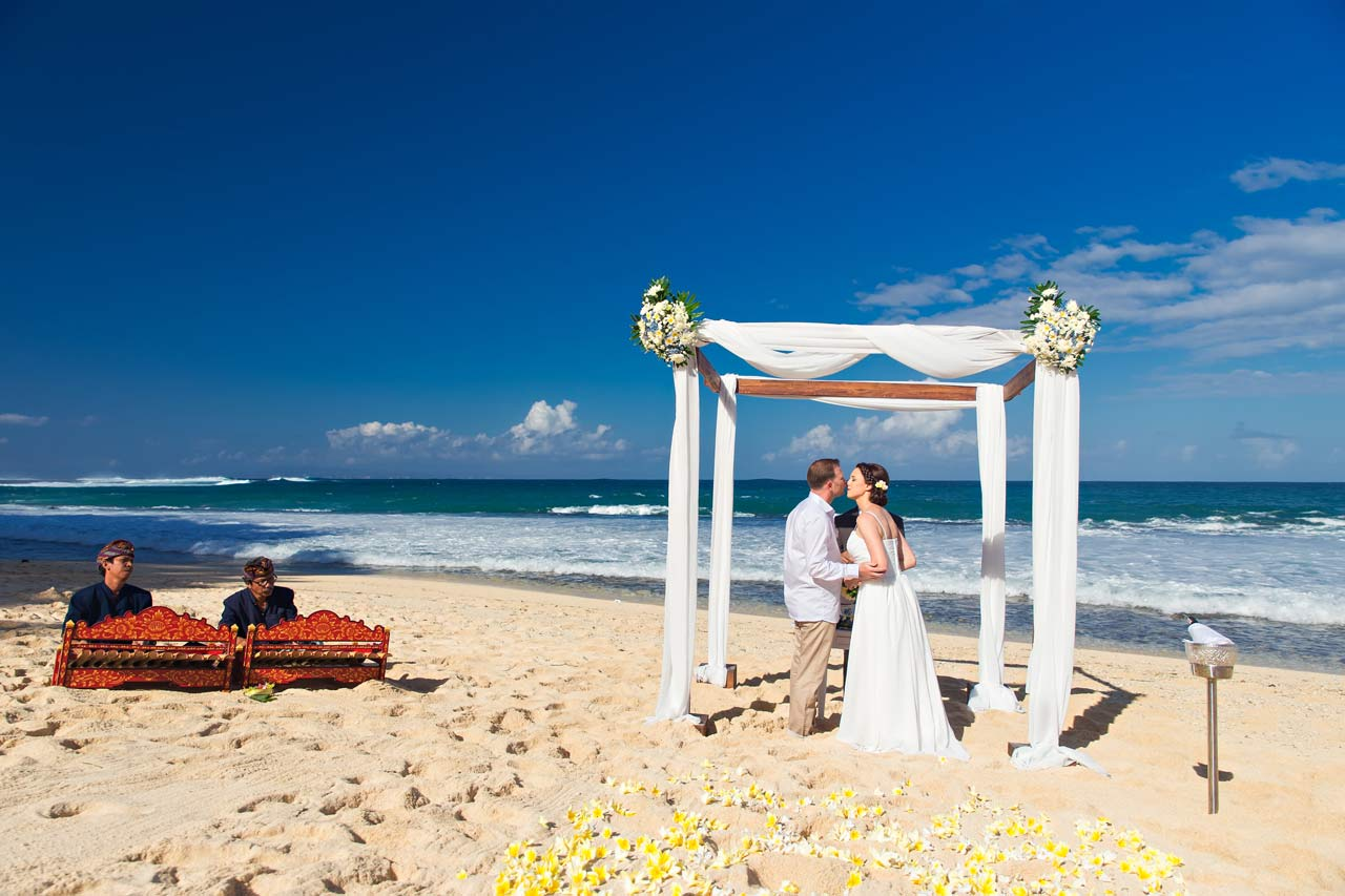 Best-venue-for-Bali-beach-wedding
