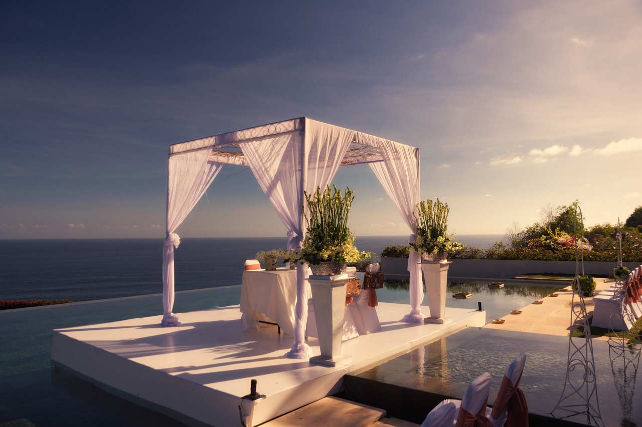 Best-Bali-clifftop-villa-weddings