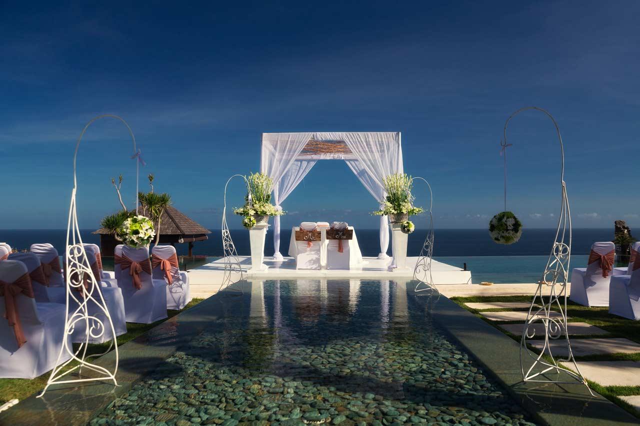 Wedding-in-Bali-cliff-top-villa