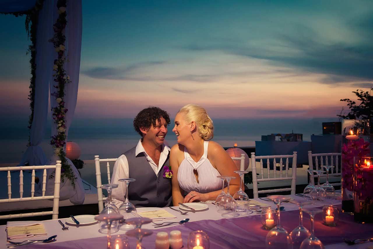 dinner-Bali-wedding-clifftop-villa