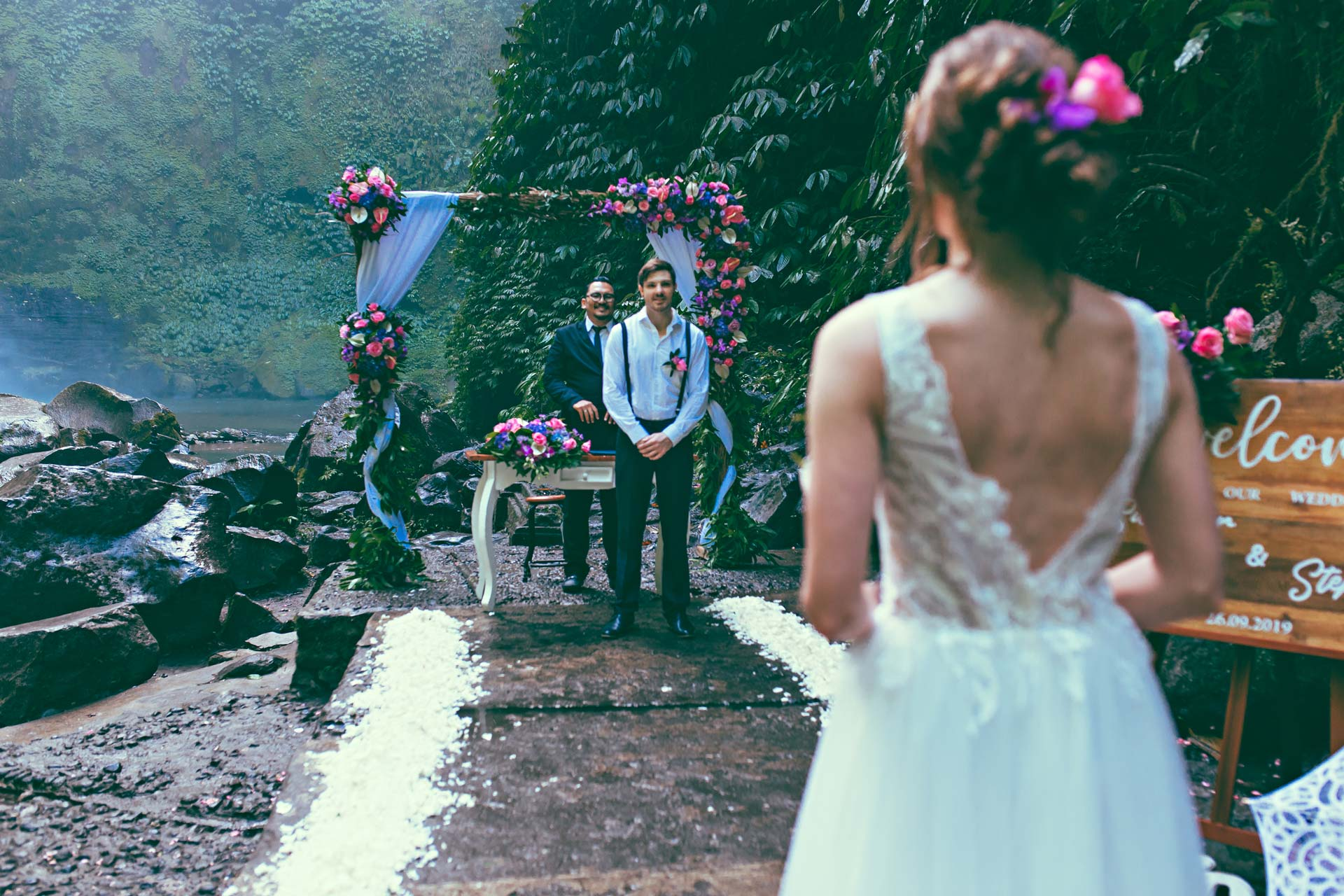 Top-Locations-Bali-waterfall-wedding