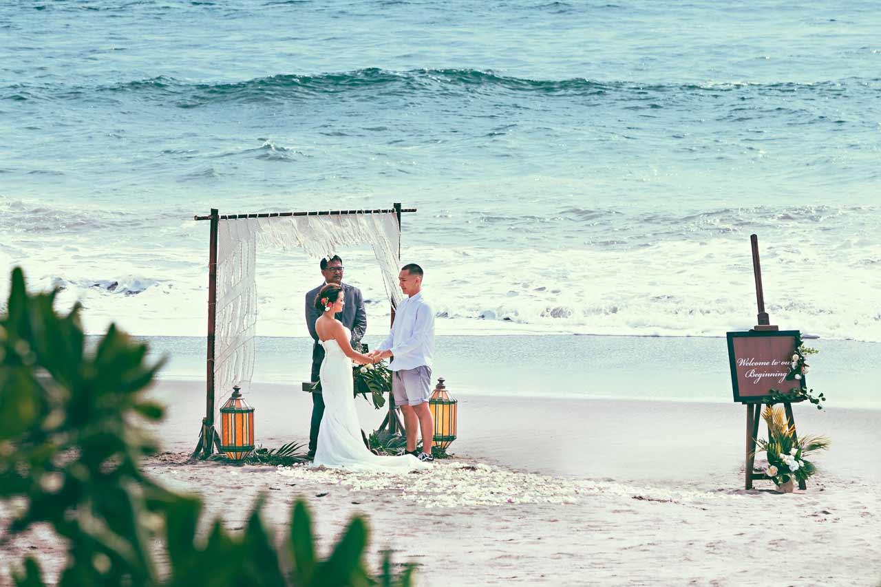 inexpensive-Bali-beach-wedding