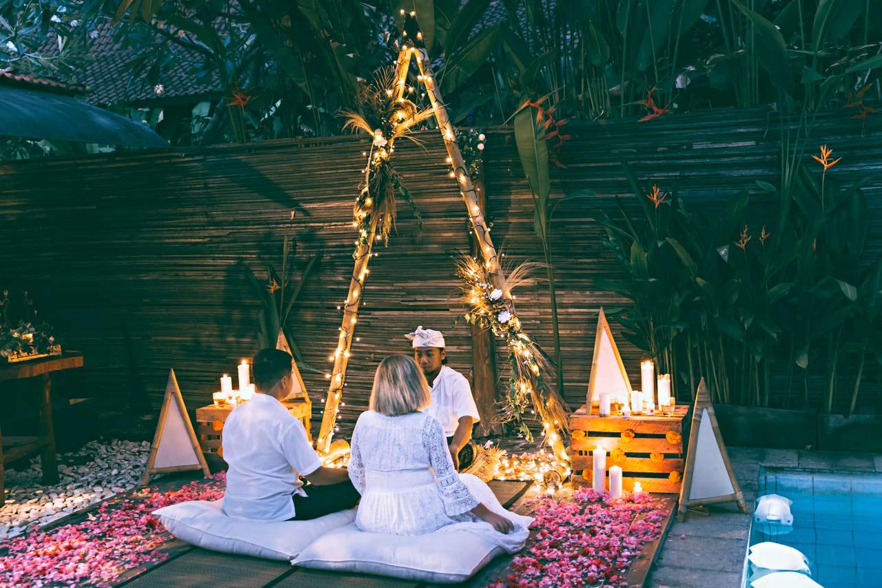Bali-candle-light-wedding
