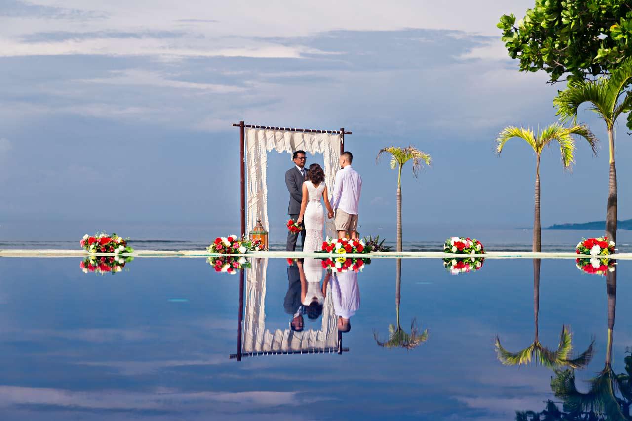 Bali-elopement-beachfront-villa