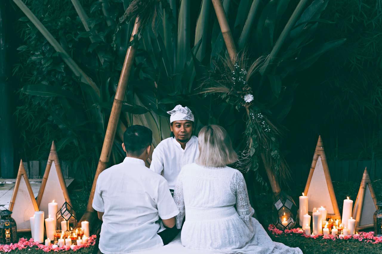 Balinese-elopement-wedding-ceremony